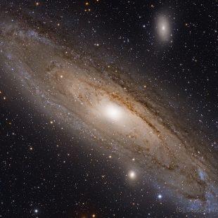 M31_2015-10-17_LRGB_84+24+28+16x900sec_v1 (Andromeda Galaxy – M31)
