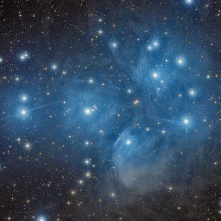 M45_2015-11-20_LRGB_48+16+16+16x600sec_v2 (Pleiades – M45)
