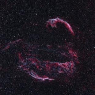 Veil_HO_28+24x300sec_Map2c_CT_HIST_DCON_LHEM_LHE_HISTM_HIST_RESMP (Cygnus Loop – Wide Field)